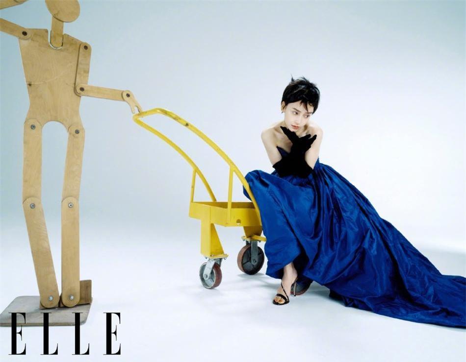 Angelababy phá cách với tóc tém cool ngầu, người hâm mộ đòi 'trả lại hình ảnh công chúa' ảnh 6