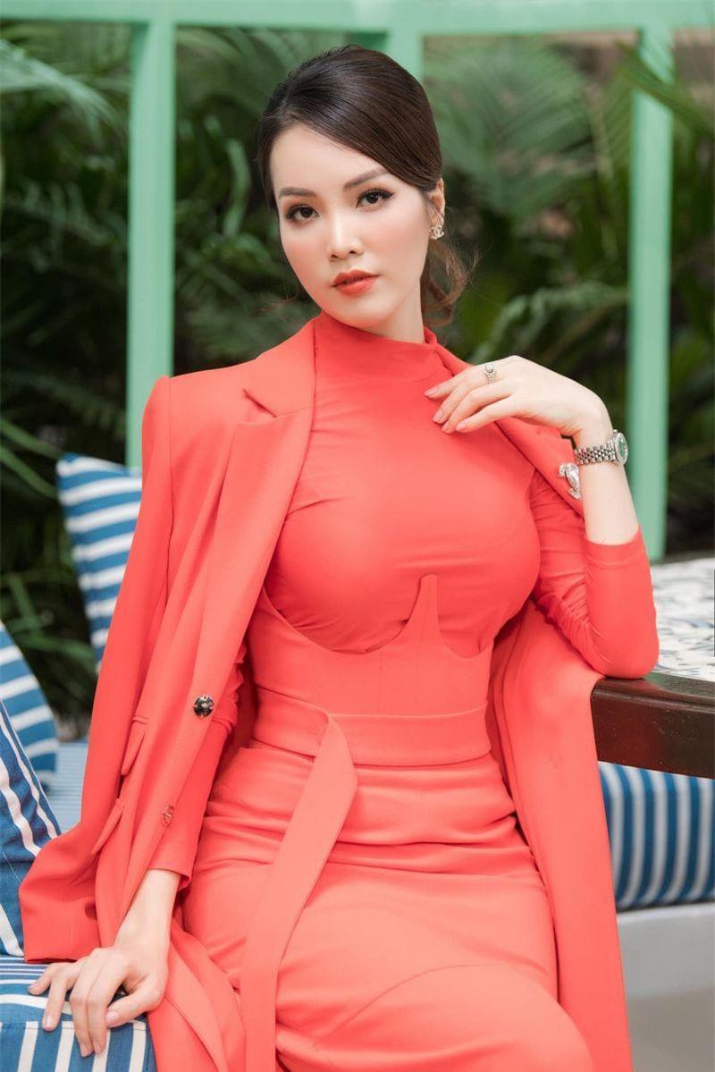 Những Hoa khôi đình đám của Đại học Ngoại thương từng dự thi Hoa hậu Việt Nam ảnh 13