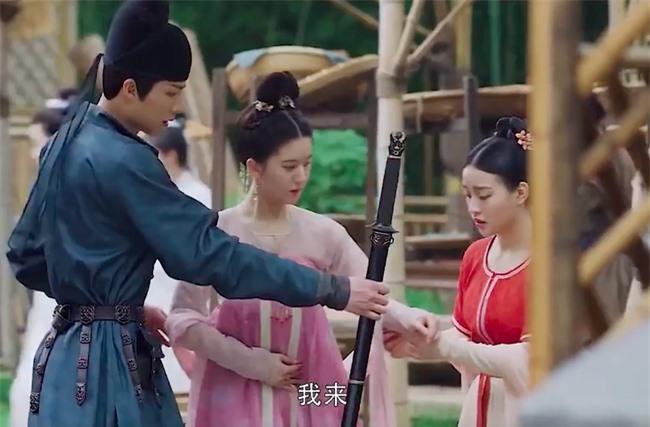 Trường Ca Hành: Trọn bộ cảnh yêu ngọt lịm của Triệu Lộ Tư - Lưu Vũ Ninh, đáng nói là nhà gái xóa dớp mập lùn, mặt nọng - Ảnh 8.