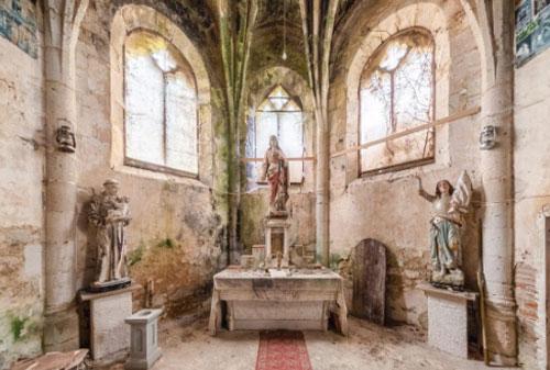 Vẻ đẹp mê hoặc của những nhà thờ bị bỏ hoang tại châu Âu