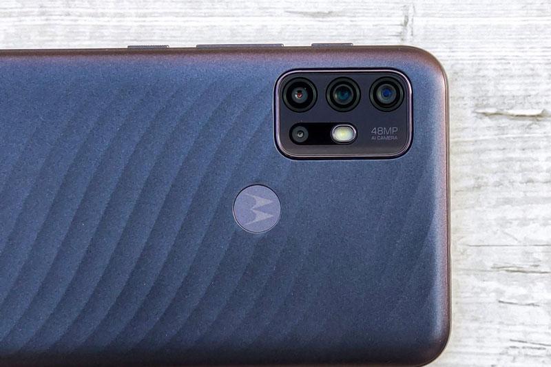 Smartphone chống nước, chip S460, RAM 4 GB, pin 6.000 mAh, giá hơn 3 triệu