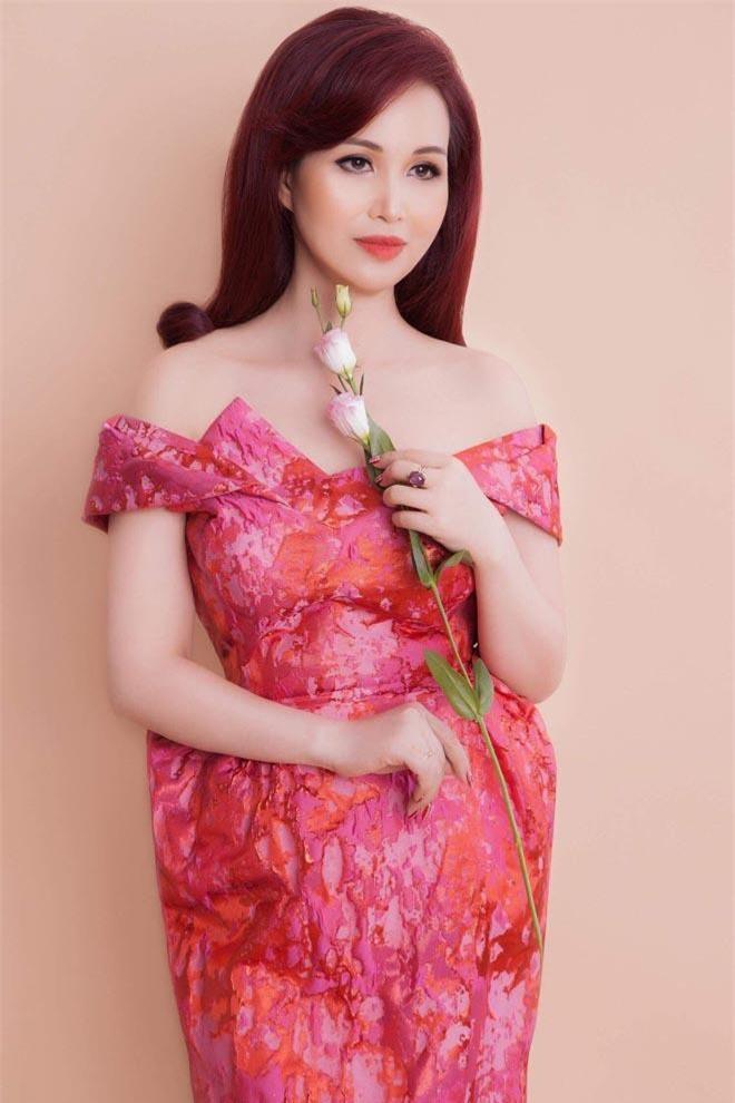 6 người đẹp ở Hà Nội từng đăng quang Hoa hậu Việt Nam ảnh 6