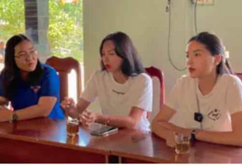 Hoa hậu Kỳ Duyên dùng 100 triệu chiến thắng Sao Nhập Ngũ cùng siêu mẫu Minh Triệu giúp đỡ bà con sau lũ