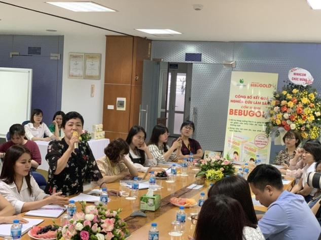 Bà Trần Minh Hằng chia sẻ về tình trạng biếng ăn của cháu.