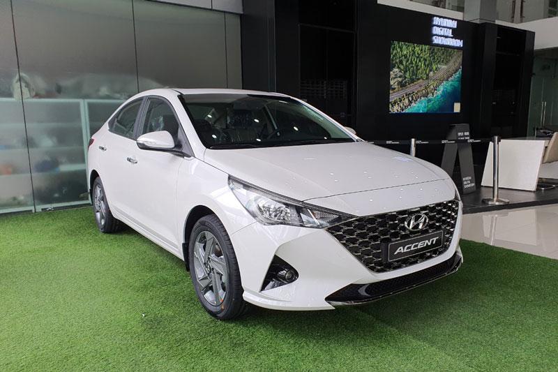 1. Hyundai Accent (doanh số: 4.808 chiếc).