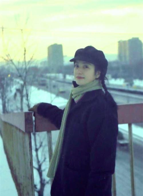 Ảnh photoshop thì đẹp lung linh, nhan sắc thực của Triệu Vy ở tuổi 45 có xứng được ca tụng? - Ảnh 5.