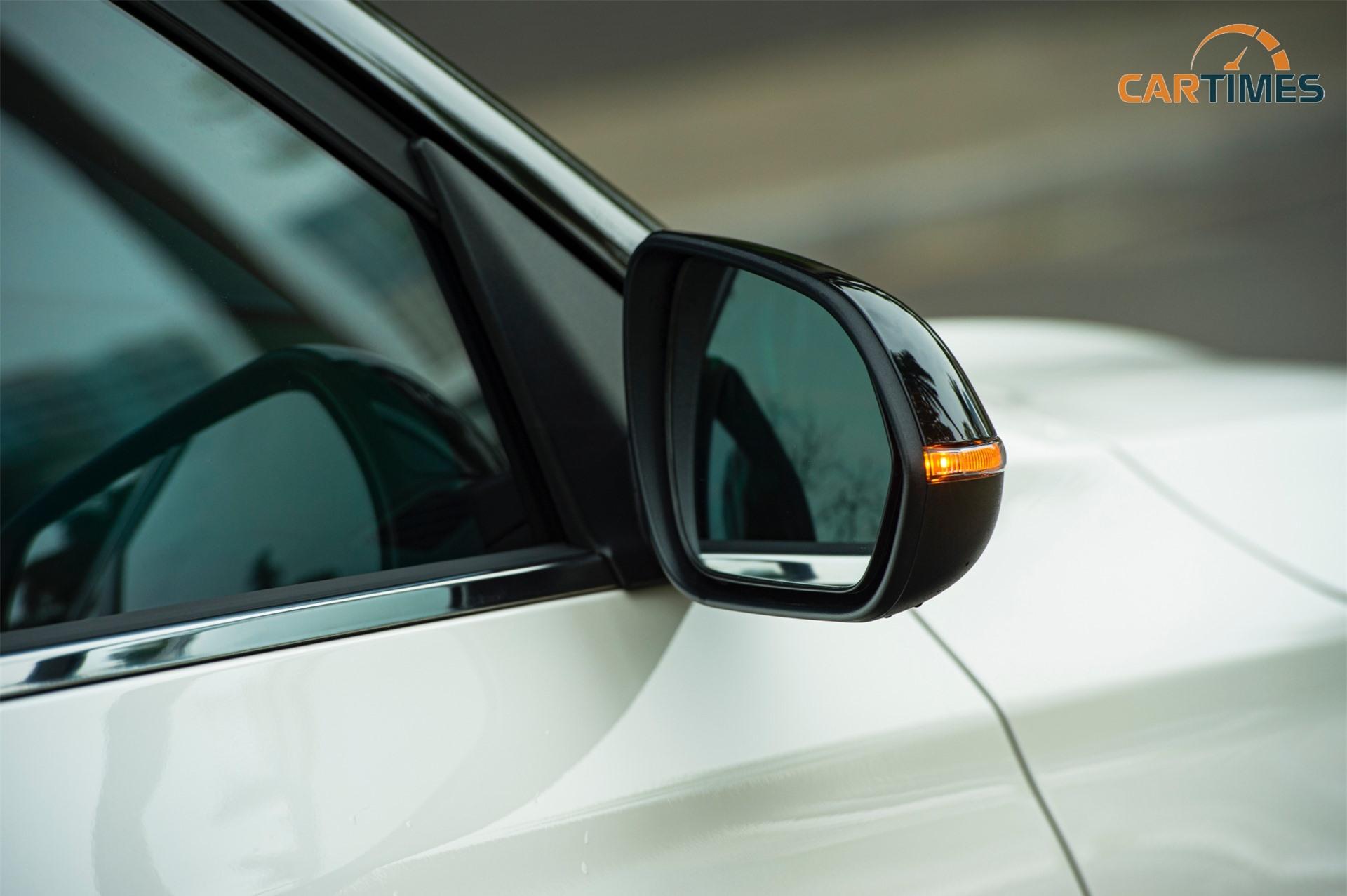 Gương chiếu hậu trên xe Kia Seltos
