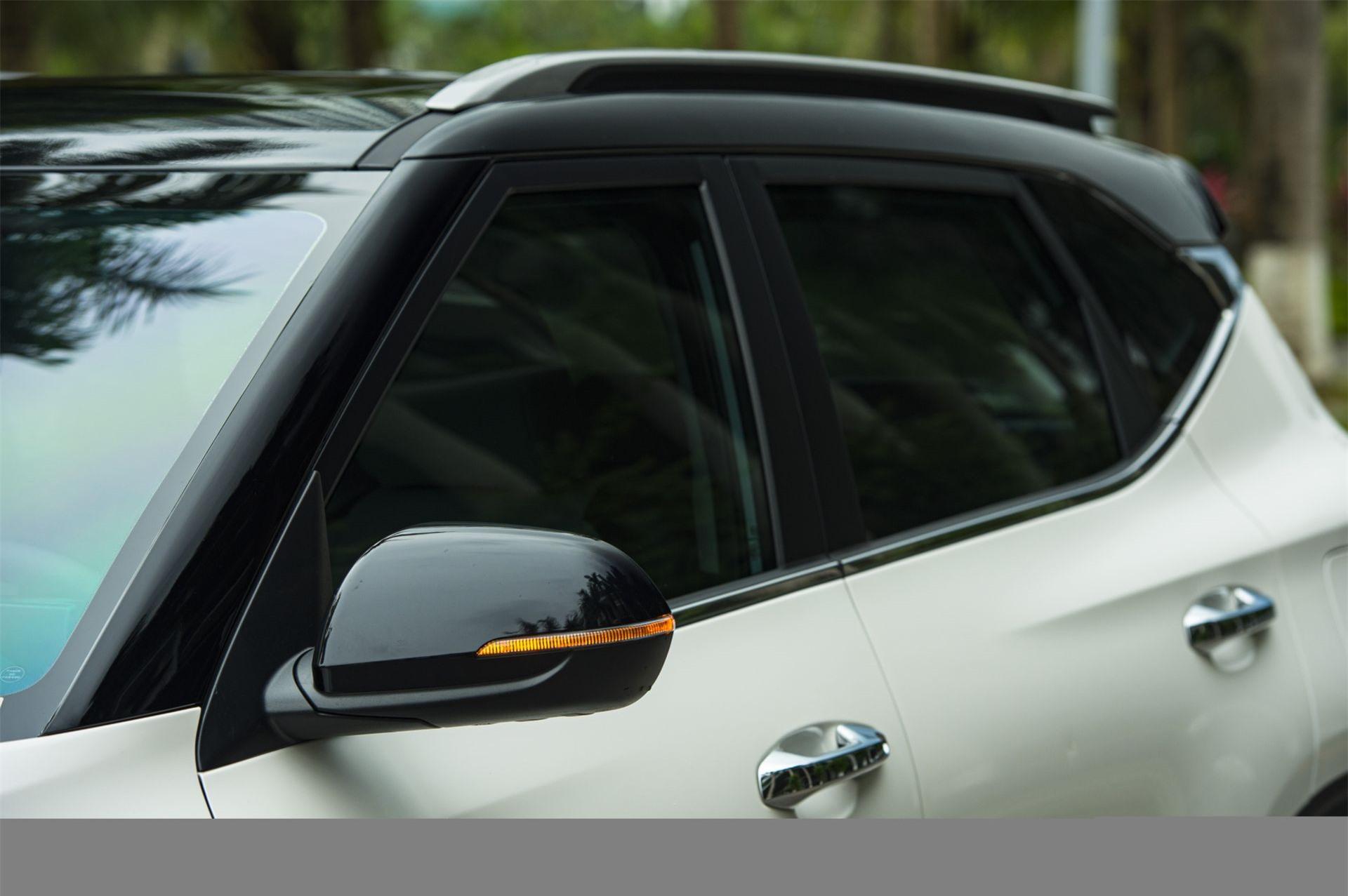 Thiết kế phá cách ở phần thân xe Kia Seltos
