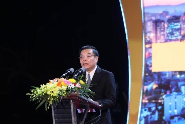 Đồng chí Chu Ngọc Anh, Ủy viên TƯ Đảng, Phó Bí thư Thành ủy Hà Nội, Chủ tịch UBND thành phố Hà Nội phát biểu tại lễ khai mạc lễ hội.