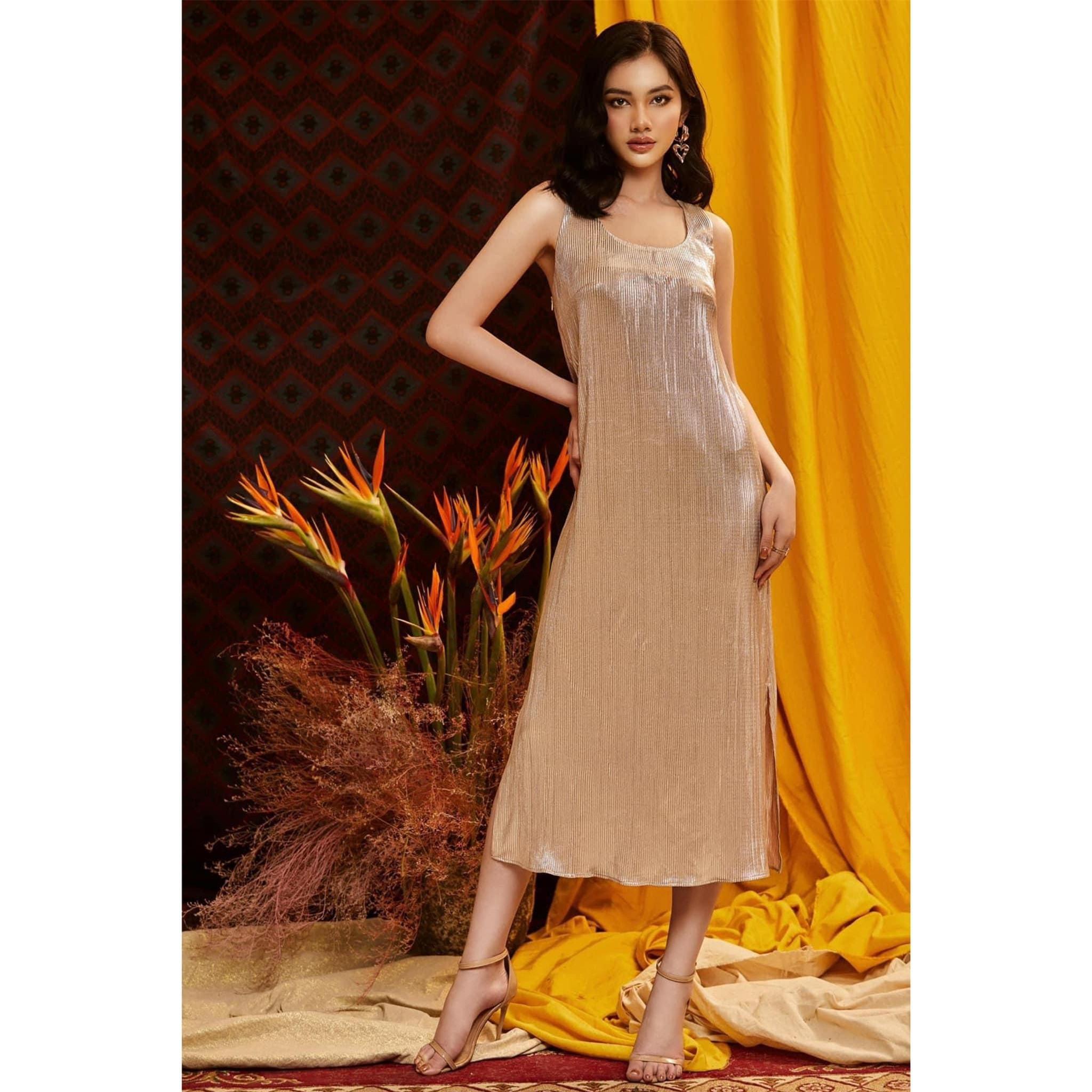 Người đẹp Cẩm Đan diện váy cắt xẻ lạ mắt khoe trọn đường cong nóng bỏng ảnh 7