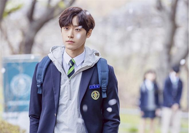 Knet chia phe chọn tân binh xuất sắc nhất phim Hàn: Song Kang chỉ đẹp, Lee Do Hyun mới tài năng? - Ảnh 5.