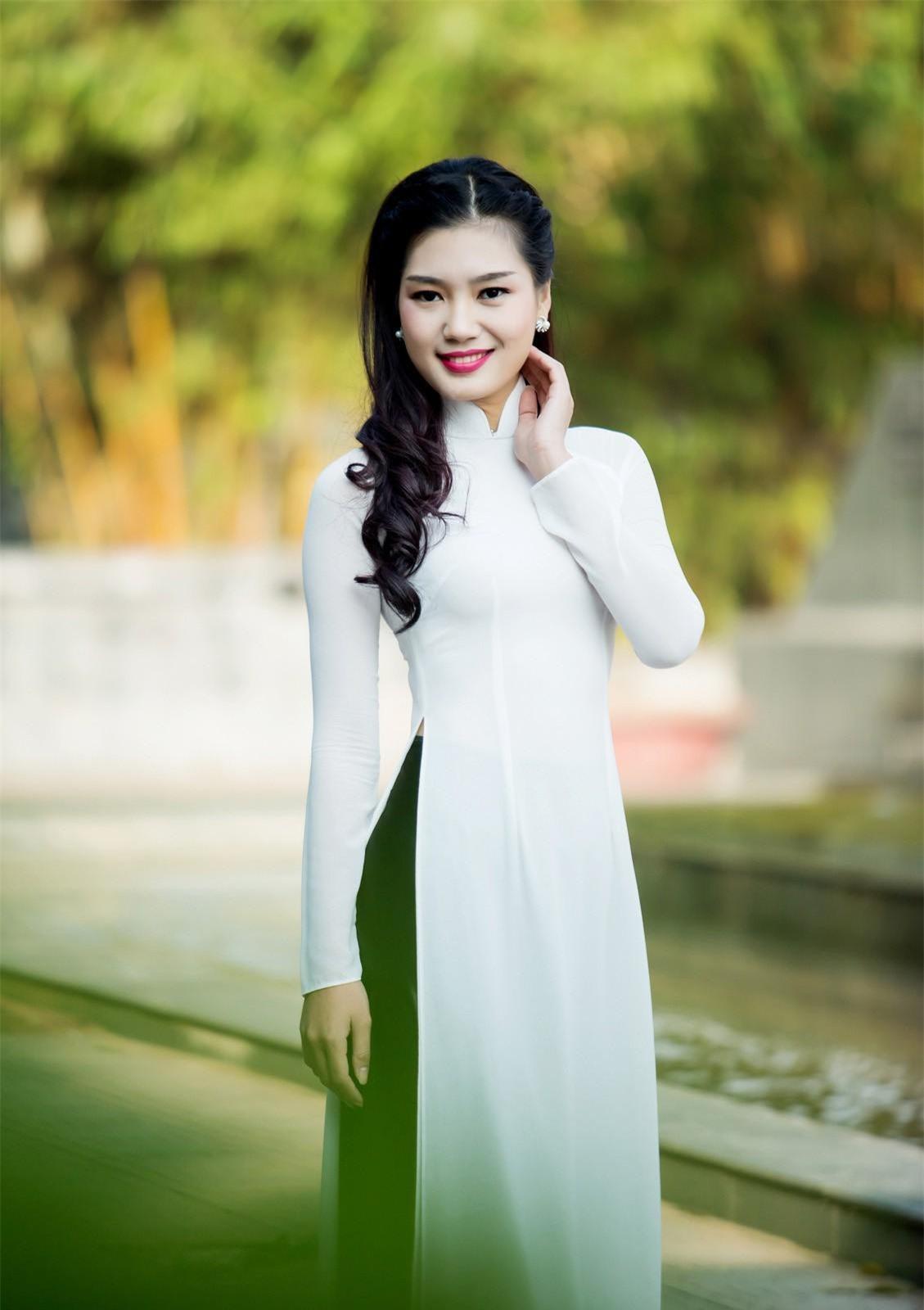 Vóc dáng nóng bỏng của Đỗ Thị Hà và những người đẹp xứ Thanh từng dự thi Hoa hậu Việt Nam ảnh 11