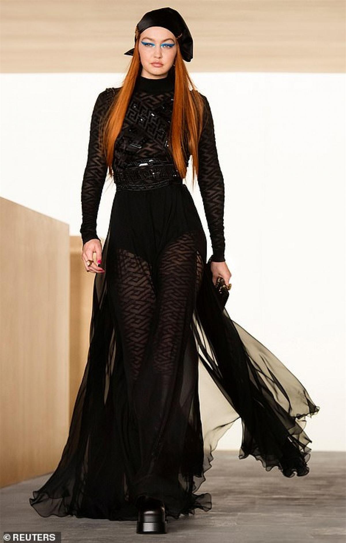 """Trong cuộc phỏng vấn với Vogue trước đó, Gigi Hadid cũng trải lòng về quá trình sinh nở của mình. Người đẹp ví bản thân thời điểm đó trông giống như một """"con thú hoang""""."""