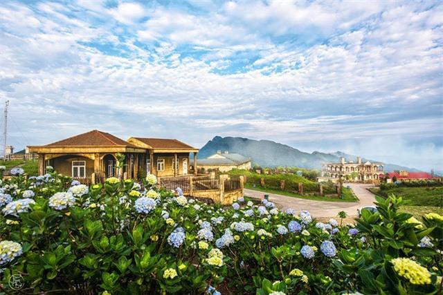 Vẻ đẹp bốn mùa trên núi Mẫu Sơn - Ảnh 1.