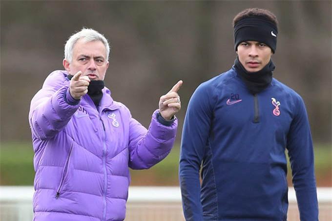 Mourinho và Alli đang có mối quan hệ không tốt