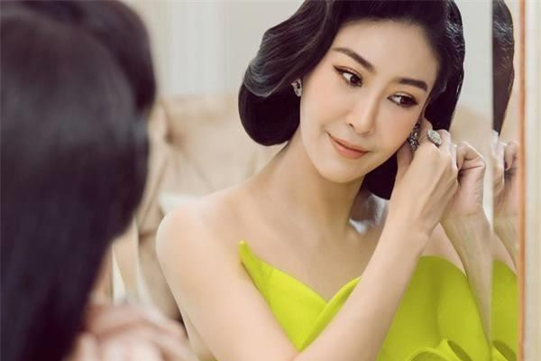 Tiết lộ đặc biệt về 3 người đẹp ở TP HCM đăng quang Hoa hậu Việt Nam ảnh 4