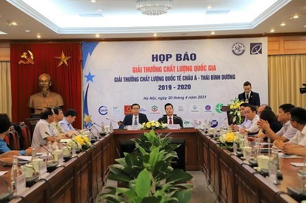 Toàn cảnh buổi họp báo Giải thưởng Chất lượng Quốc gia.
