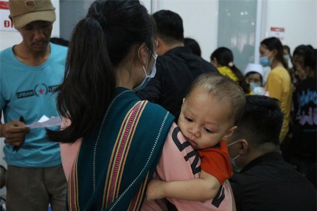 Trái tim cho em khám sàng lọc tim bẩm sinh cho gần 2.100 trẻ tại Gia Lai - Ảnh 10.