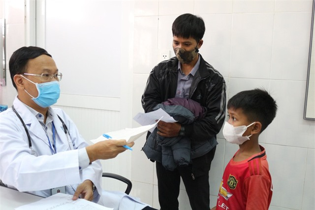 Trái tim cho em khám sàng lọc tim bẩm sinh cho gần 2.100 trẻ tại Gia Lai - Ảnh 7.