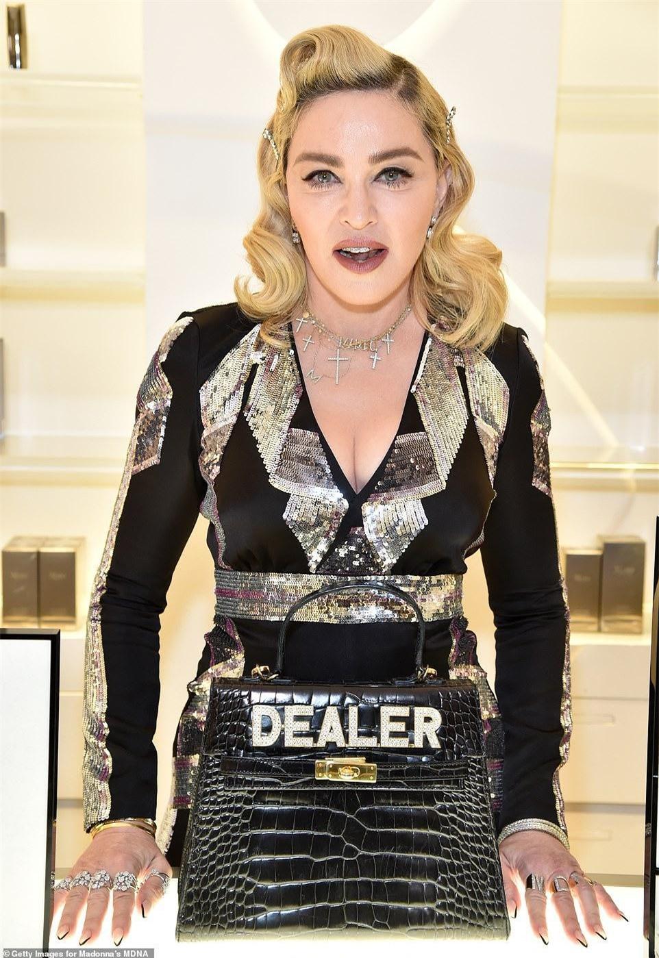 Cận cảnh biệt thự mới tậu của Madonna, được giá hời gần 6 triệu USD ảnh 1