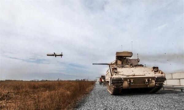 [ẢNH] Siêu tên lửa chống tăng Mỹ hủy diệt xe tăng từ khoảng cách 10km - ảnh 2