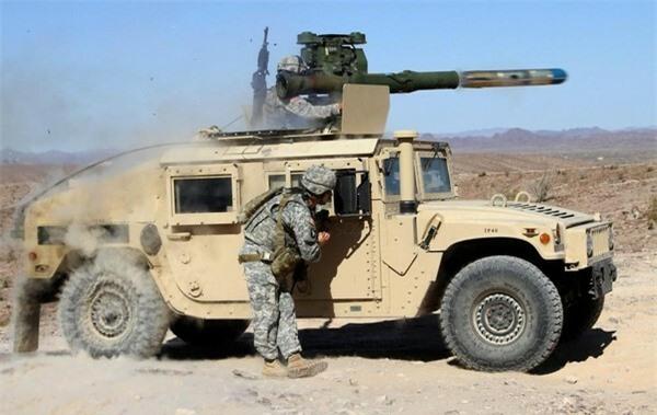 [ẢNH] Siêu tên lửa chống tăng Mỹ hủy diệt xe tăng từ khoảng cách 10km - ảnh 6