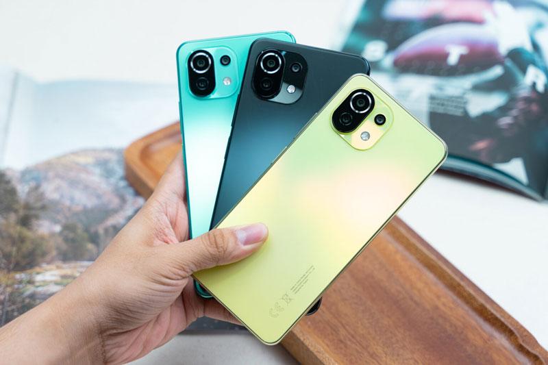 Xiaomi Mi 11 Lite 5G chốt giá 10,49 triệu đồng tại Việt Nam, so kè với Samsung Galaxy A52 5G
