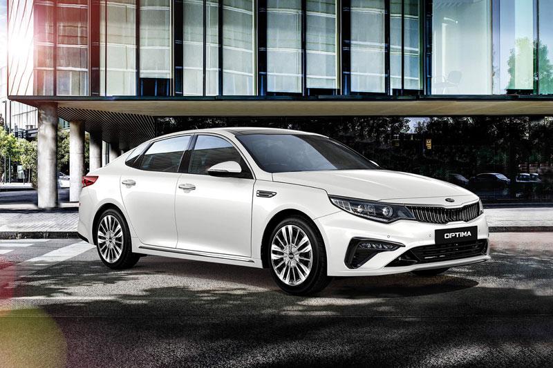 Kia Optima phiên bản 2.0 GAT Luxury.