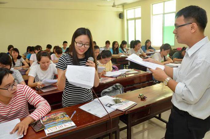 Hướng dẫn hồ sơ miễn học phí cho sinh viên dân tộc thuộc hộ nghèo