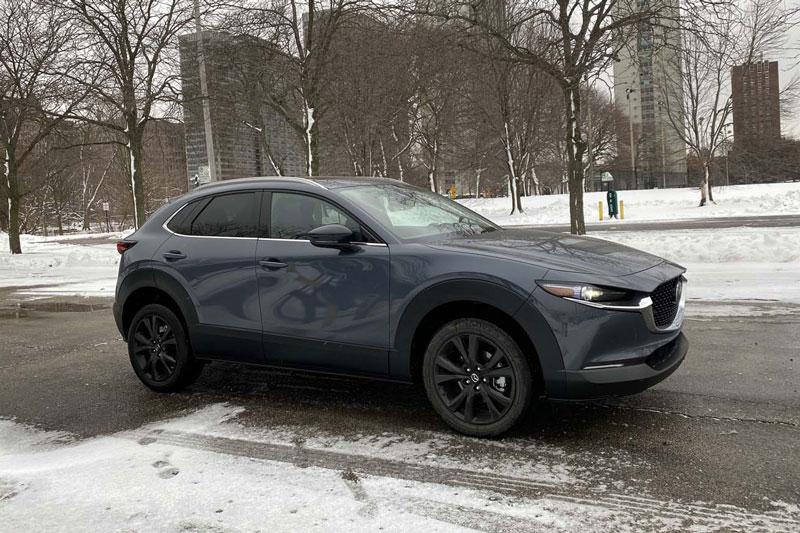 4. Mazda CX-30 2021 (giá khởi điểm: 21.900 USD).