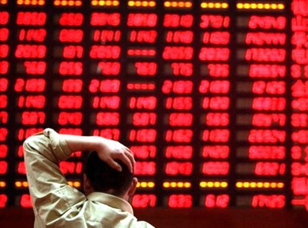 Thị trường chứng khoán 22/04: Áp lực bán mạnh khiến hàng loạt cổ phiếu 'nằm sàn', VN-Index mất 40 điểm