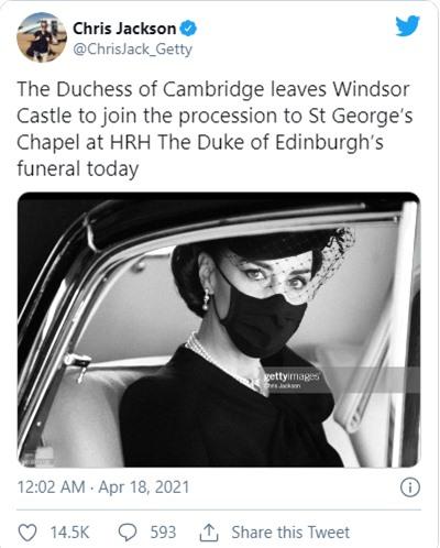 Điều ít biết đằng sau bức ảnh gây bão mạng, đi vào lịch sử của Công nương Kate tại tang lễ Hoàng tế Philip - Ảnh 2.