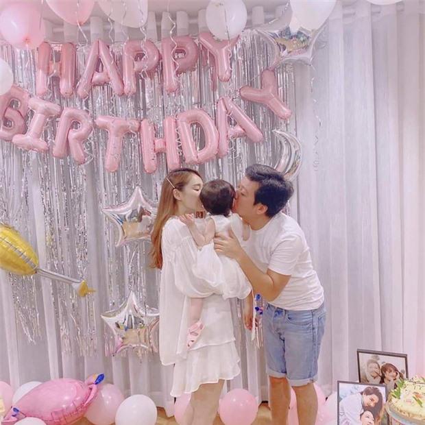 Trường Giang lẻ loi tổ chức sinh nhật cùng hội bạn, Nhã Phương và con gái không xuất hiện giữa drama? - Ảnh 4.
