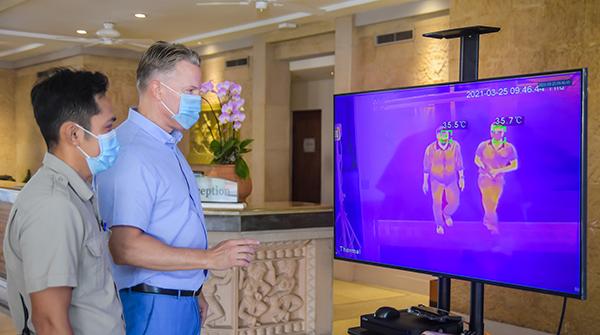 Cung Hội nghị Quốc tế Ariyana - Furama Resort Đà Nẵng vừa nâng cấp hệ thống phòng dịch Covid-19 và đưa vào hoạt động thiết bị giám sát thân nhiệt từ xa công suất lớn