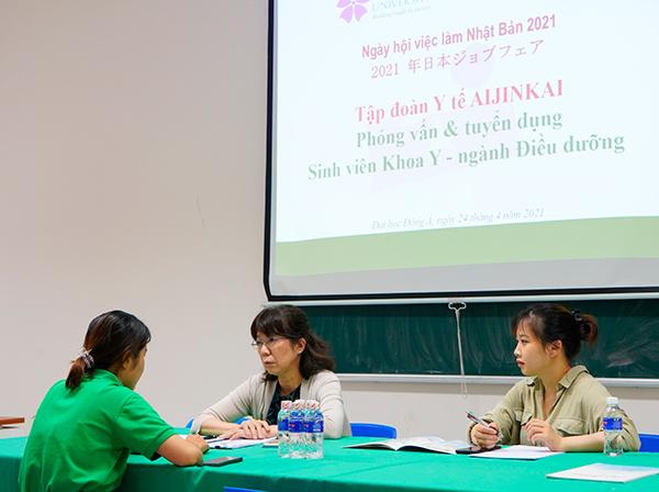 Tập đoàn Y tế Aijinkai (Nhật Bản) phỏng vấn tuyển dụng sinh viên ĐH Đông Á