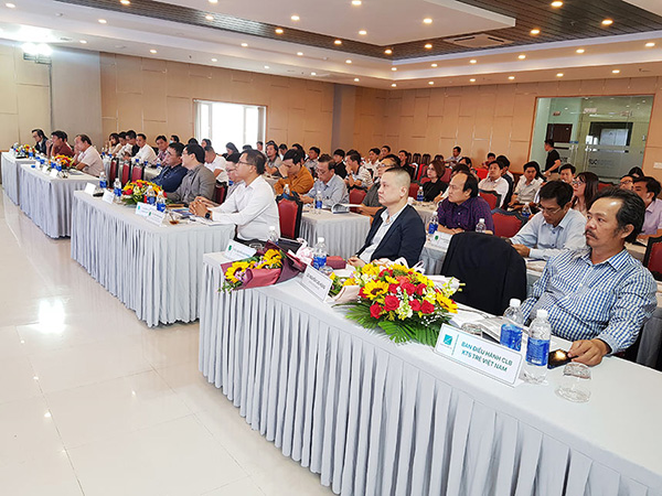 Đông đảo các KTS từ 12 tỉnh, thành miền Trung - Tây Nguyên cùng các nhà khoa học, nhà quản lý, doanh nghiệp... tham dự hội thảo
