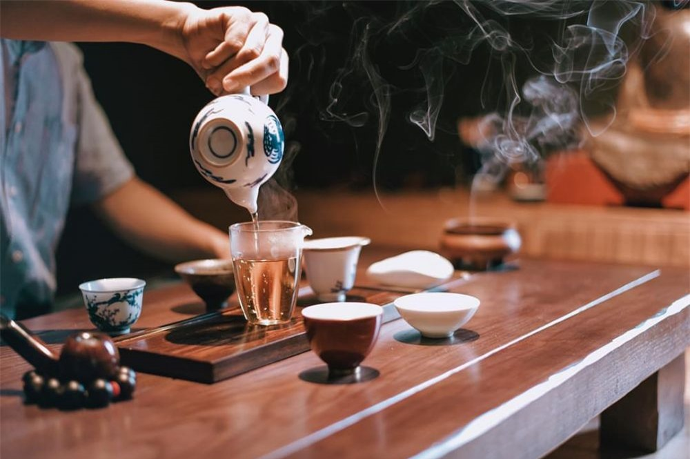 Từ bỏ ngay 3 cách uống trà gây hại thận, hại dạ dày mà người Việt thường mắc phải, thậm chí gây ung thư - Ảnh 2.