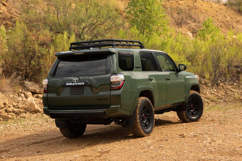 6. Toyota 4Runner (mức độ mất giá trung bình sau 5 năm: 38,5%).