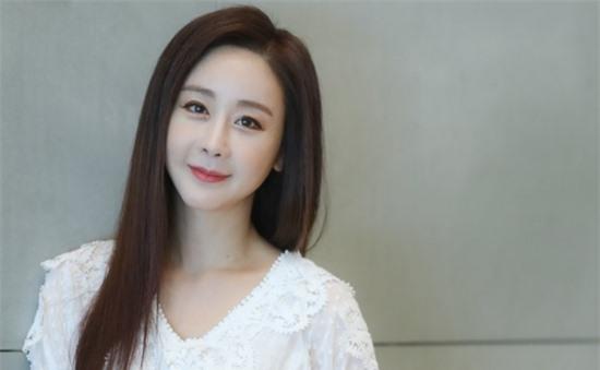 Hoa hậu Hàn Quốc bị tố lợi dụng người hâm mộ để thao túng dư luận ảnh 2
