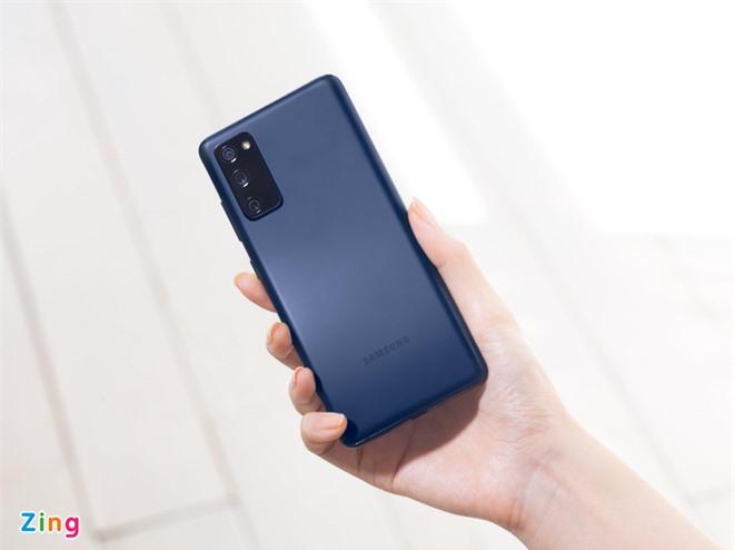 Smartphone cao cap doi cu gia tot anh 3