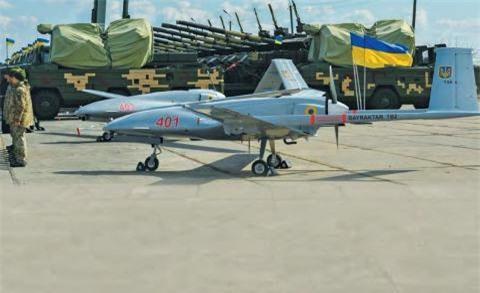Ngoai truong Tho: Ankara san sang ban UAV cho Nga