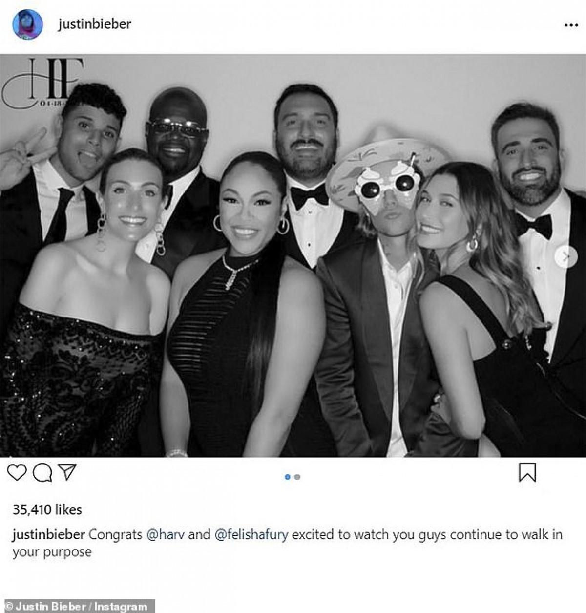 Hailey Bieber đồng hành cùng chồng trong suốt sự kiện đó.