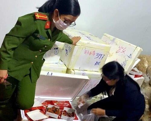 Đội Cảnh sát điều tra tội phạm về kinh tế phối hợp với các cơ quan liên quan khẩn trương lấy mẫu giám định dư lượng thuốc bảo vệ thực vật và các chất gây hại khác