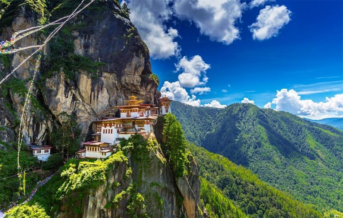 Bạn không thể tự đi du lịch Bhutan mà phải qua công ty lữ hành.