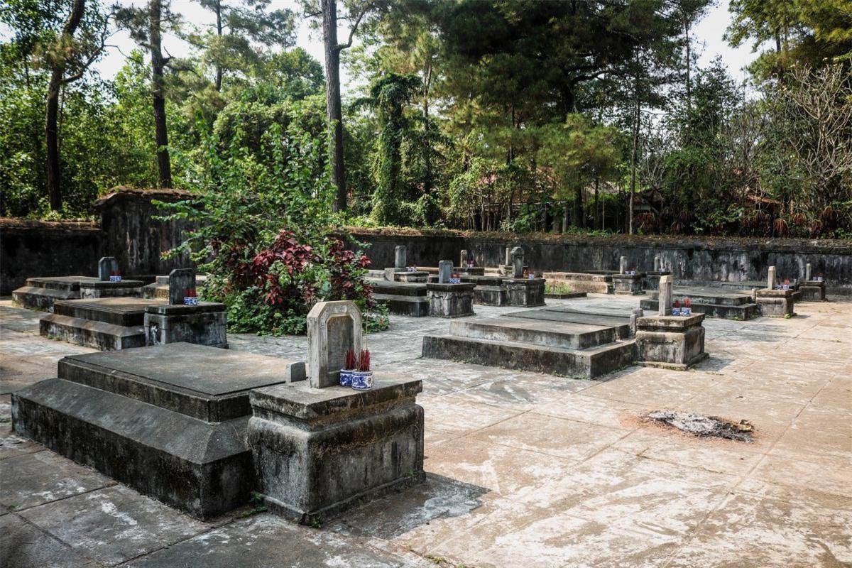 Loat danh lam co tu Hue va khu mo thai giam trieu Nguyen-Hinh-2