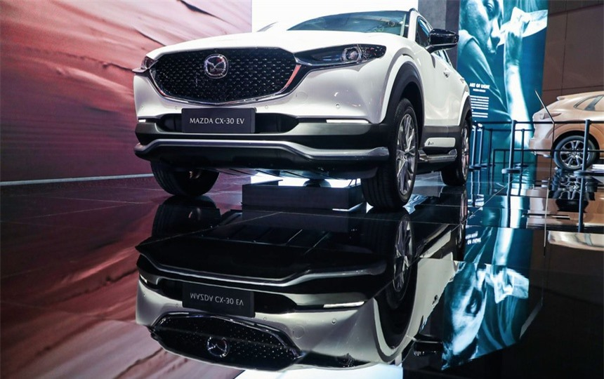 Mazda CX-30 phien ban chay dien duoc ra mat tai Trung Quoc anh 2