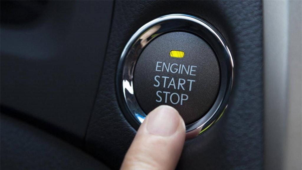 nút khởi động xe