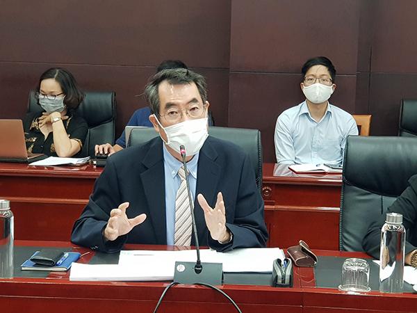 Ông YONEDA Yoshiharu, Giám đốc Công ty TNHH OSUMI Việt Nam trình bày kế hoạch thực hiện dự án