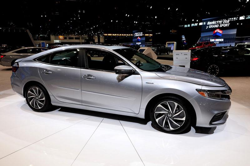 1. Honda Insight 2021 (giá khởi điểm: 22.930 USD, điểm an toàn của US News: 10/10).