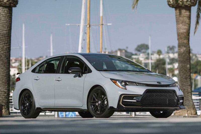 6. Toyota Corolla 2021 (giá khởi điểm: 20.025 USD, điểm an toàn của US News: 9,7/10).